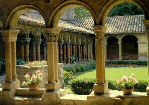 monastère carré cercle jardin